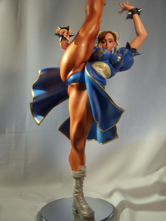 1/5 Chun Li High Kick