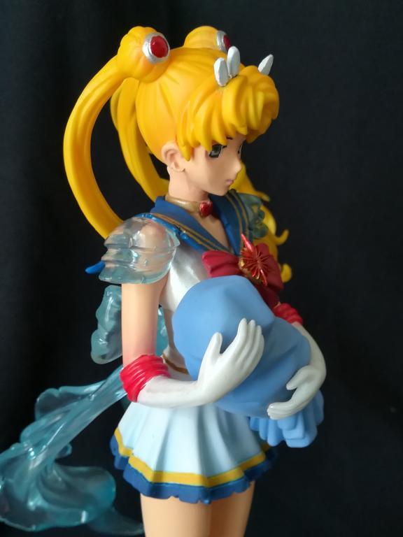 Super Sailor Moon with Baby Hotaru