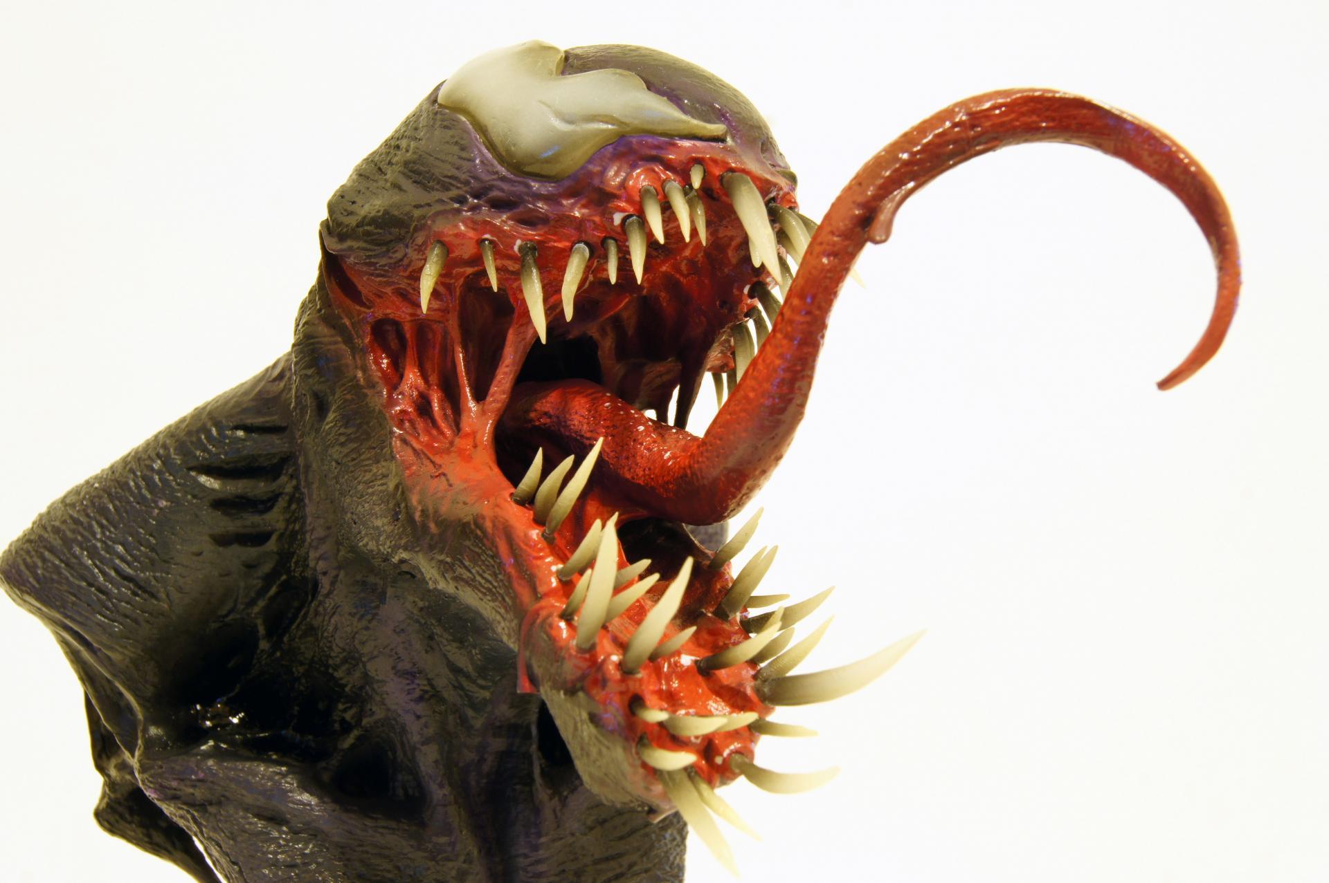 Venom 1/4 Head Bust