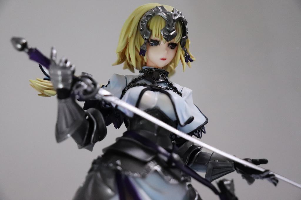 白贞德 持剑