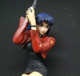 FG1135 Misato with Handgun on Knees