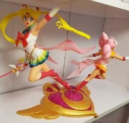 Super Sailor moon et Chibi moon