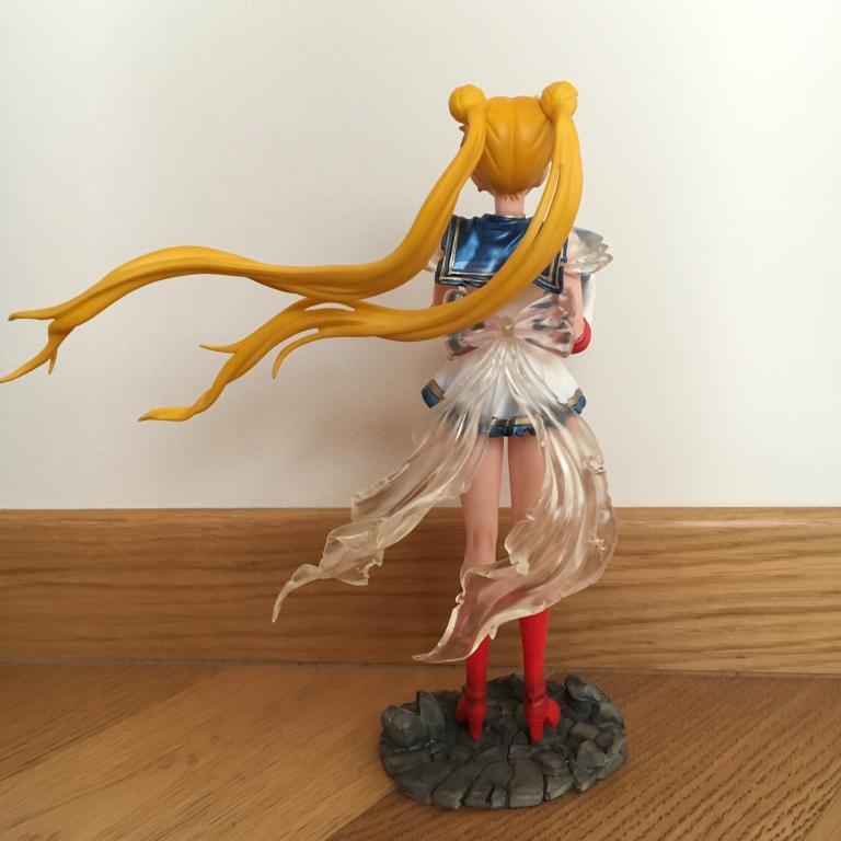 Super Sailor Moon e baby Hotaru