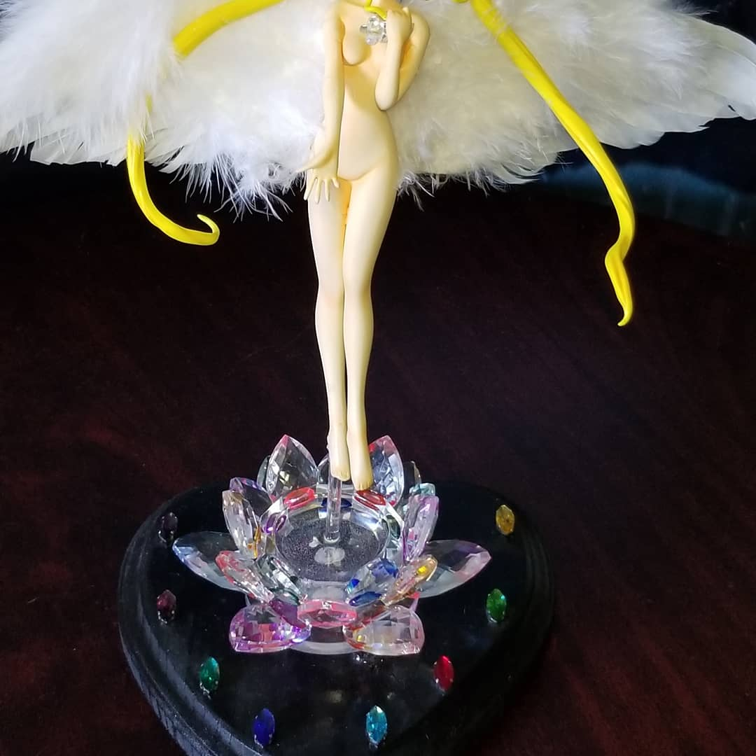 Naked winged Princess Serenity