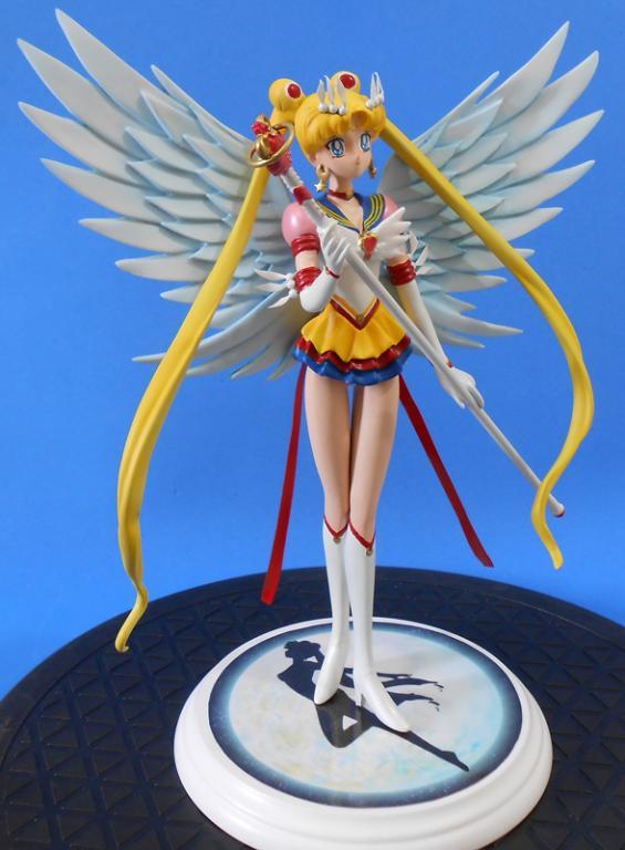 Eternal Sailor Moon with Moon Power Tiare
