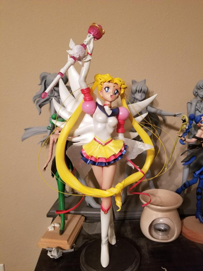 1/4 Eternal Sailor Moon