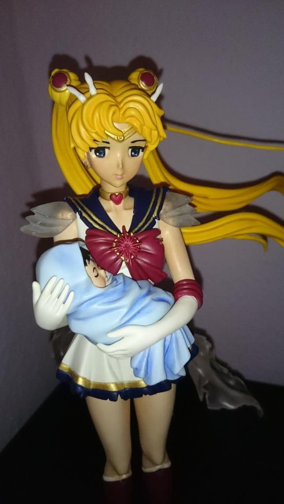 Super Sailor Moon with Baby Hotaru