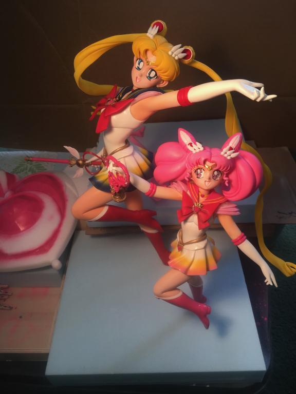 Super Sailor Moon & Super Sailor Chibi Moon