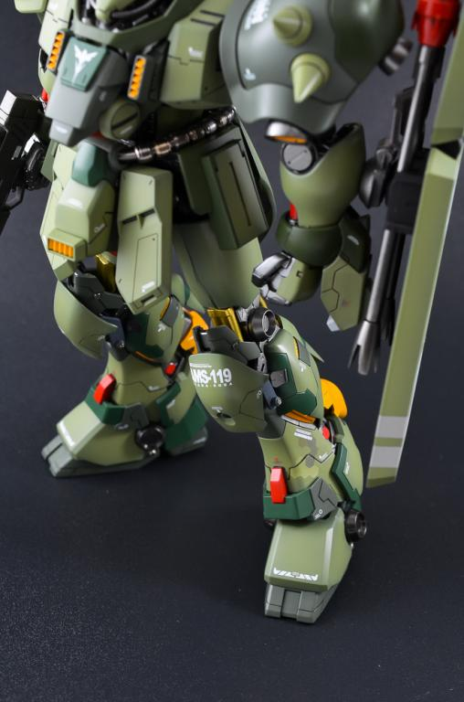 1/100 Geara Doga Custom