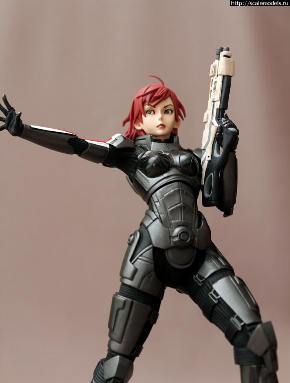 FG 7365 Commander Shepard 1/7
