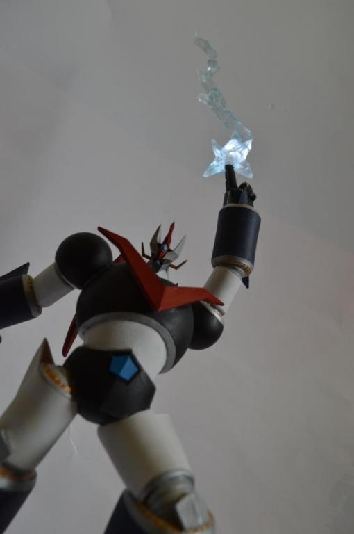 Light up Great Mazinger vs General of Drkness