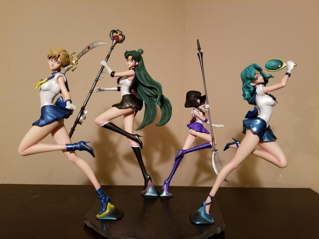1/4 Outer Senshi