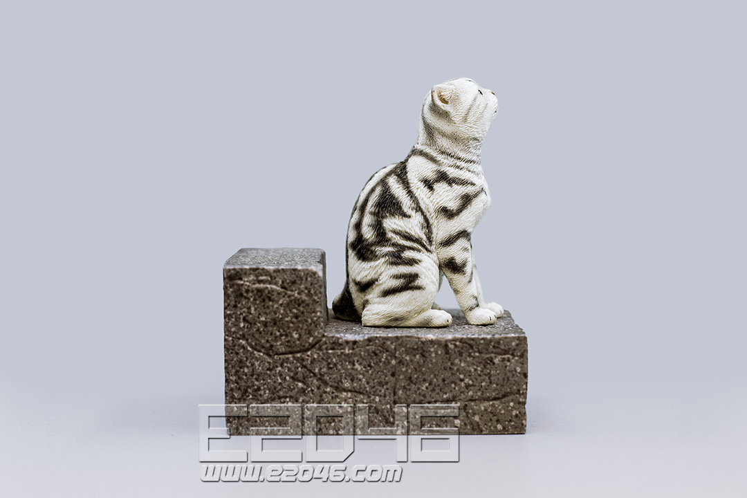 The Sad Cat Silver Tabby (PVC)