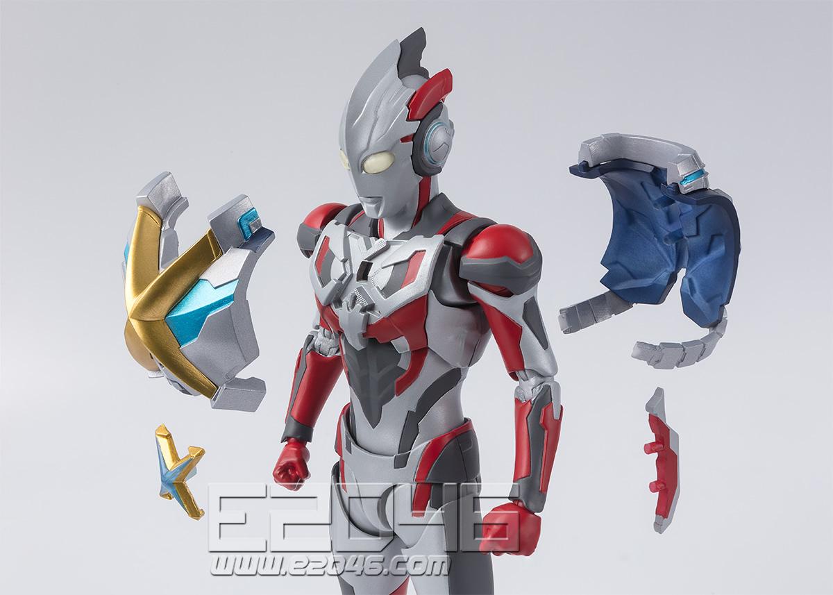 超人 X 与戈莫拉盔甲套装 (PVC)