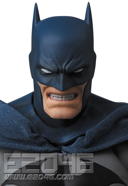 Batman Hugh Version (PVC)