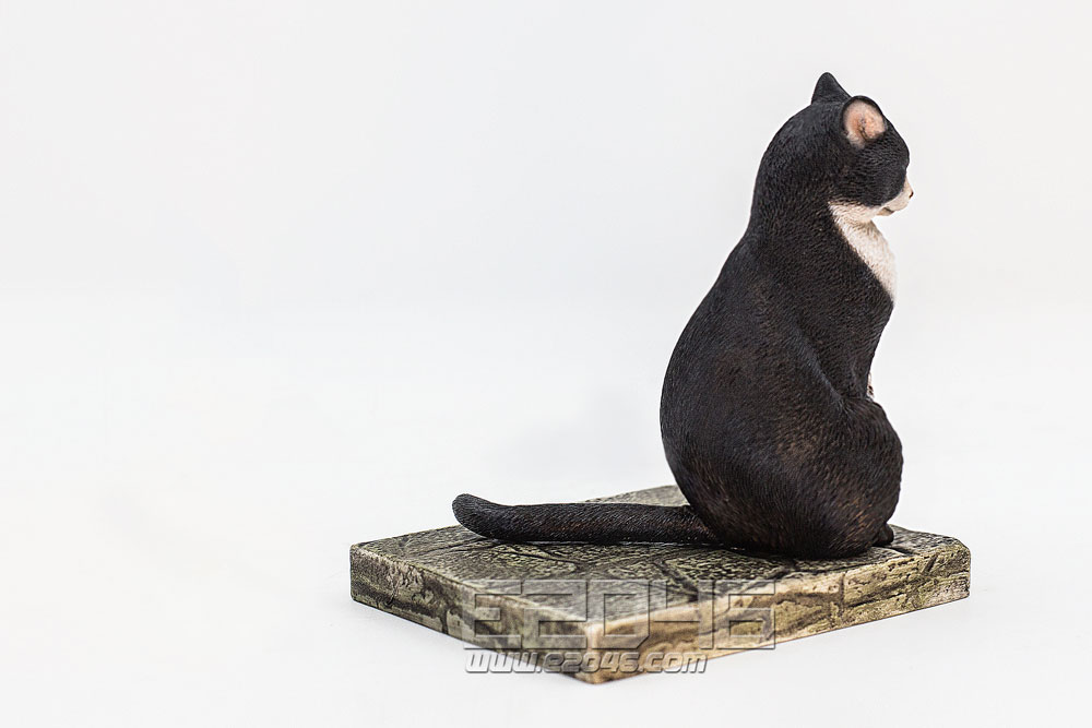 The Meditating Cat Piebald Cat (PVC)