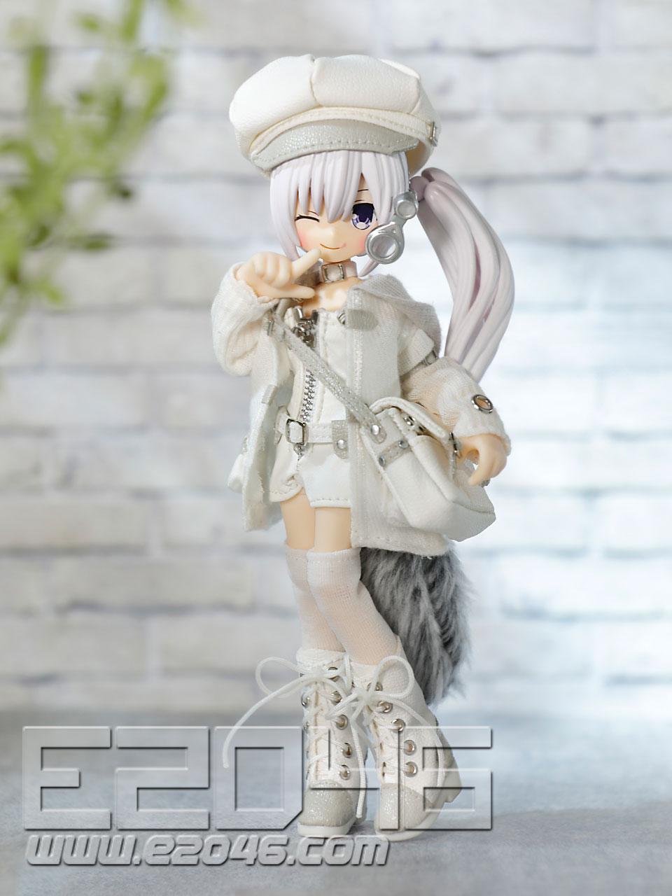 Raia White Gray Version (PVC)