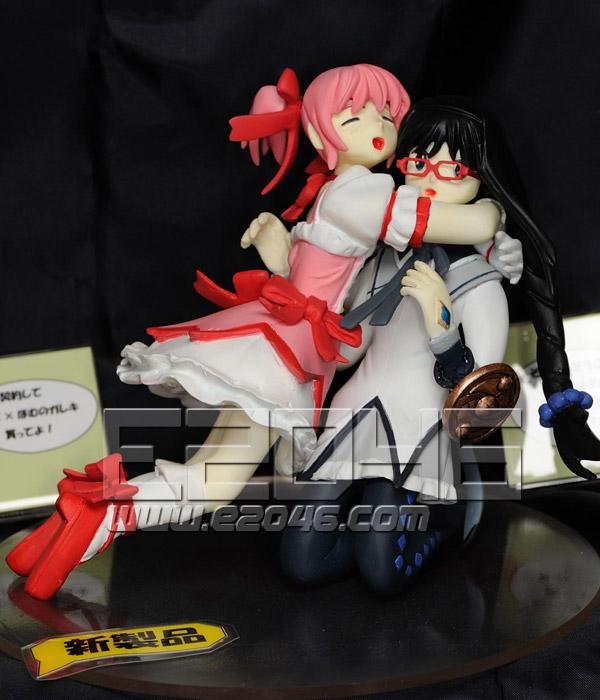 Kaname Madoka & Akemi Homura