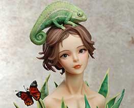 FG11639  Chameleon Girl