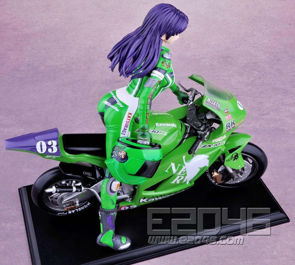 葛城骑摩托车