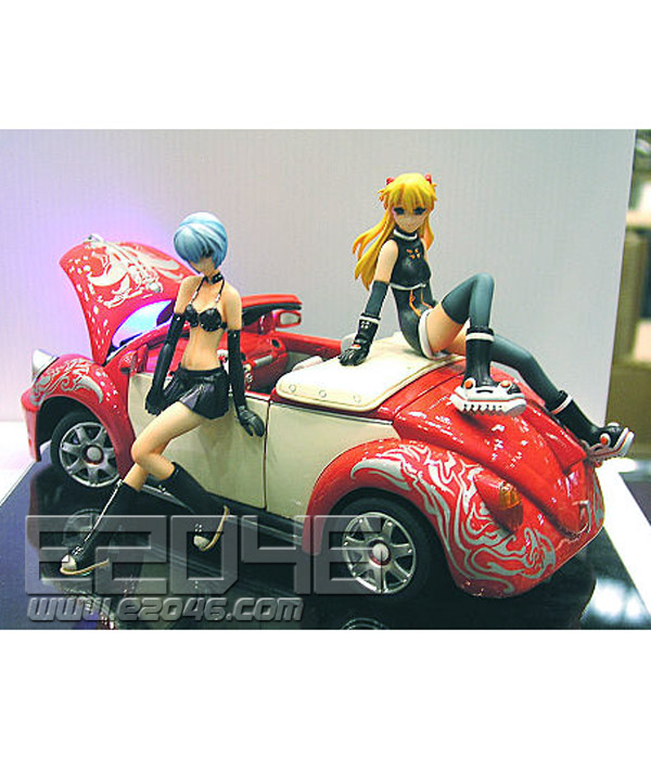Rei & Asuka with Car