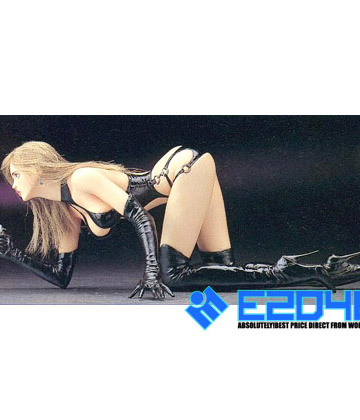 Simone Arquette Crawling