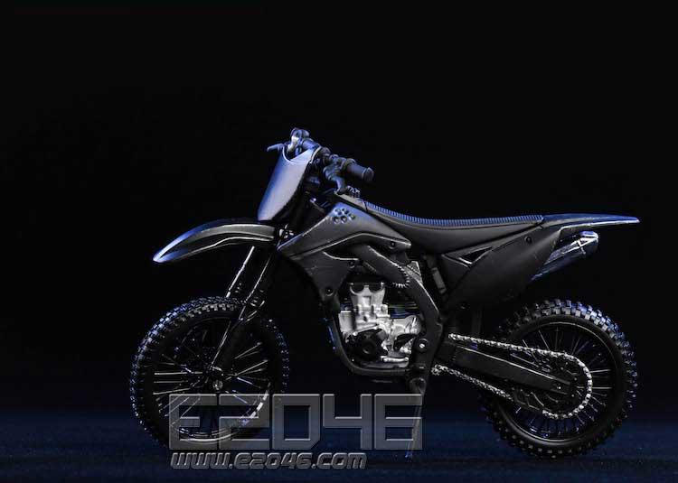 越野摩托车 (人偶)