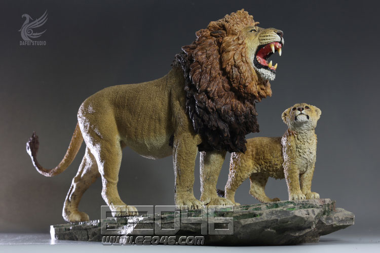 Marseille Lion And Son (DOLL)
