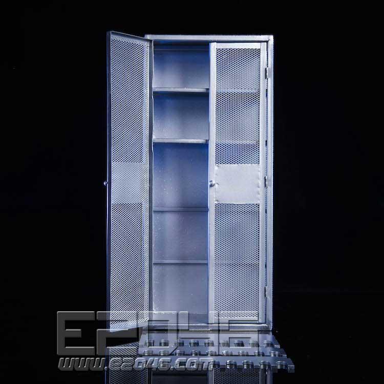Locker B (DOLL)