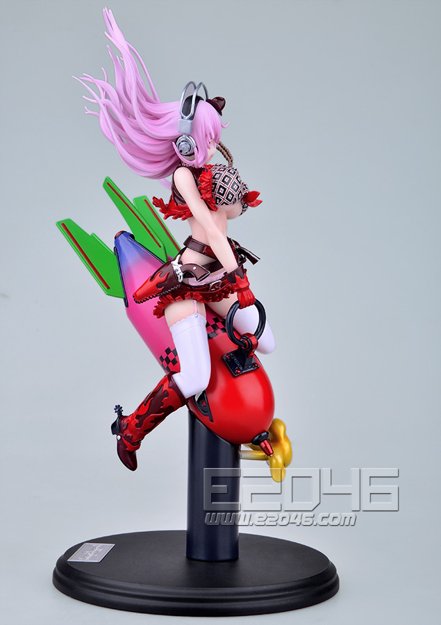 Super Sonico Love Bomber Version (Pre-painted)